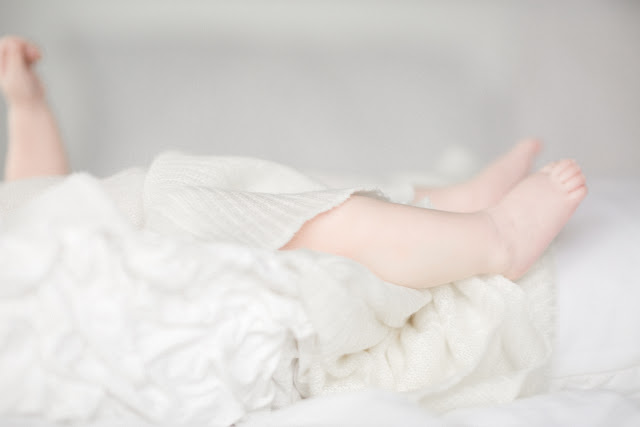 Newborn lifestyle photography in Toronto. Natural, airy, light-filled portraits.