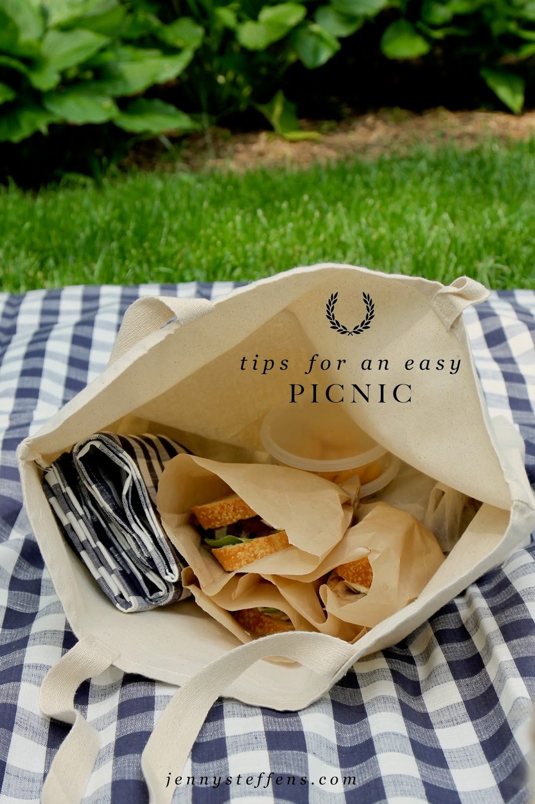 jenny steffens hobick simple summer picnics in our backyard