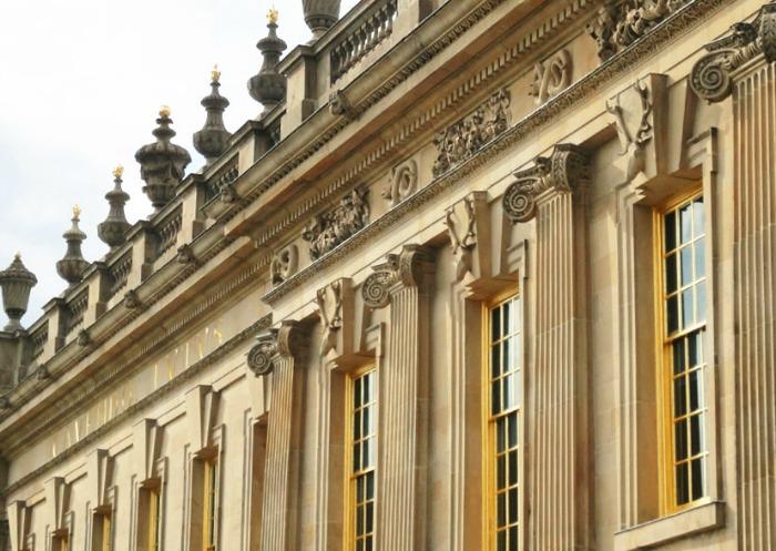 Ventanas con pan de oro, Cavendish House