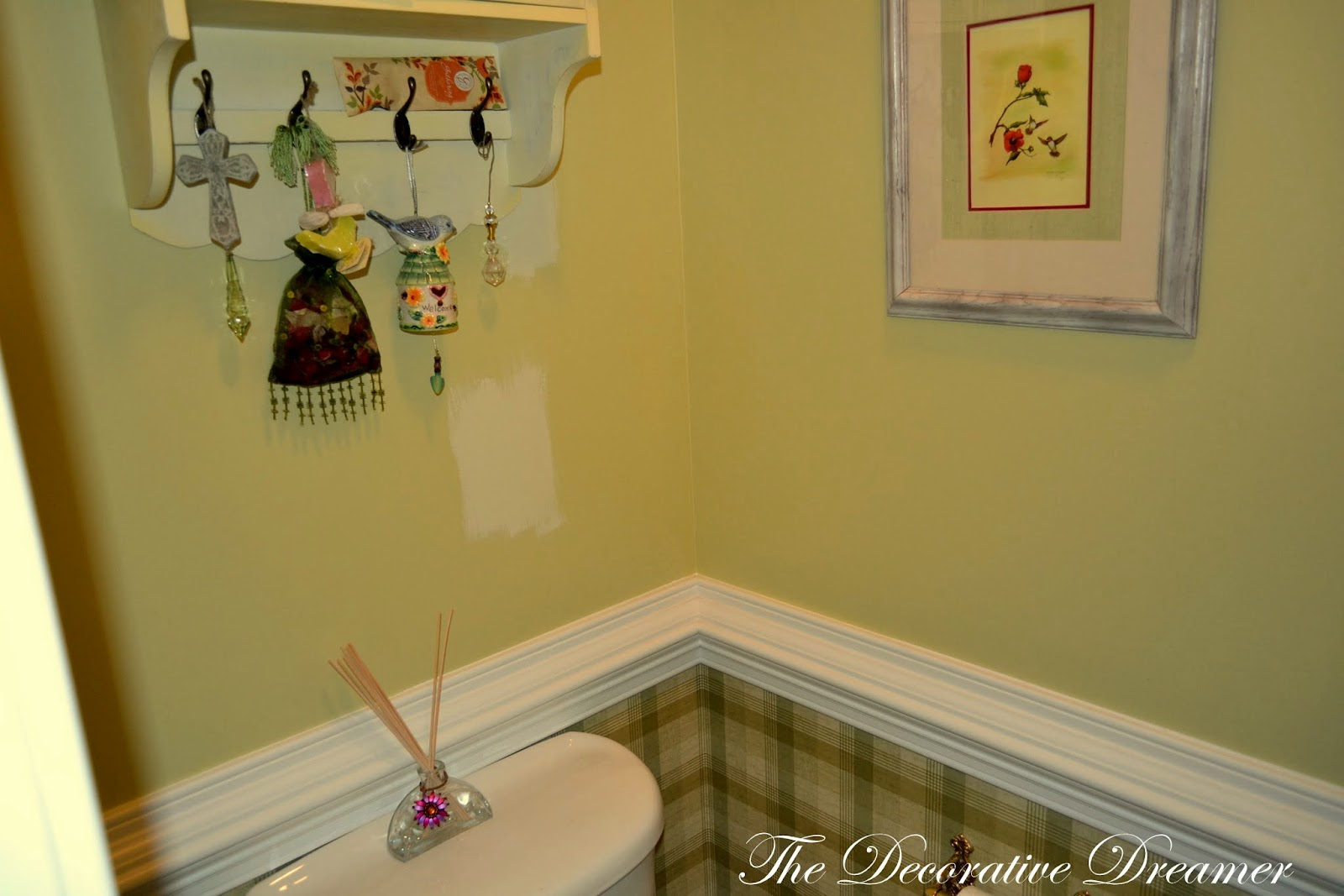 The Decorative Dreamer: Repainting the Kitchen