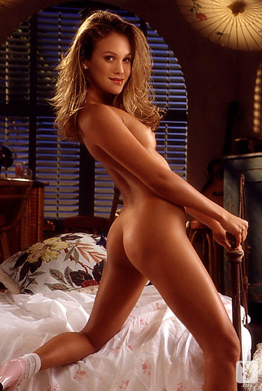 1581648162_105569_full [Playboy Archives] Brooke Richards - Bounty Of Booty