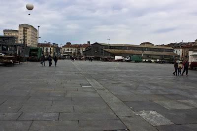 Piazza della Repubblica senza mercato, Torino