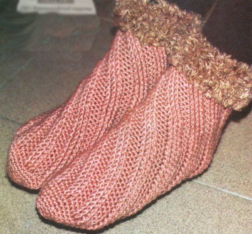 Домашние носочки в спиральной технике