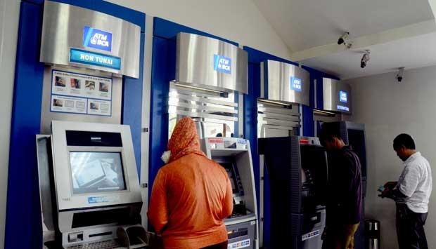 Modus kejahatan dengan menguras isi Anjungan Tunai Mandiri (ATM) sudah kerap terjadi di Indonesia.