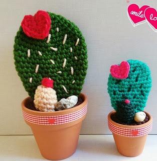 http://cosicasraquel.blogspot.com.es/2015/01/cactus-crochet-cactus-del-amor.html