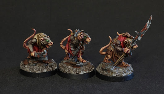 Skaven crawling out of their holes