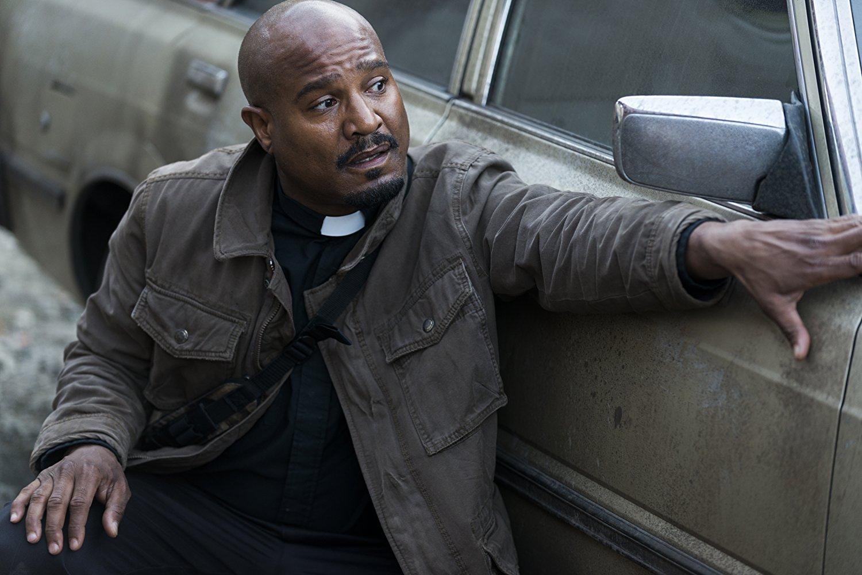Gabriel en el episodio 8x01 de The Walking Dead