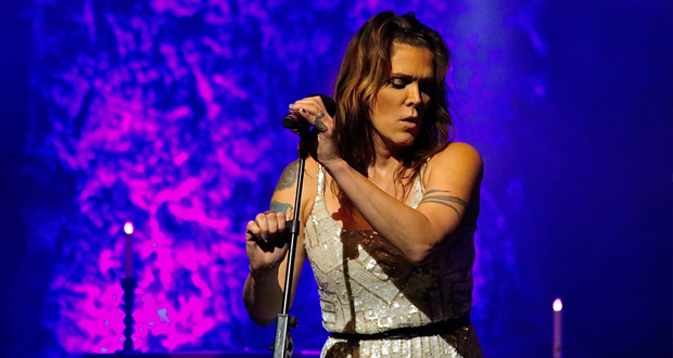 Beth Hart: Love is a lie