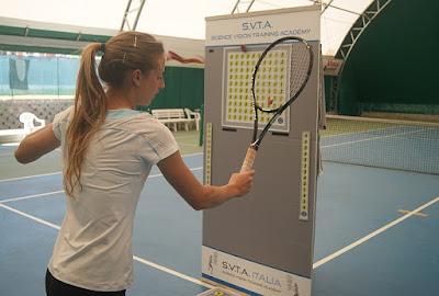 imagen de mujer con raqueta