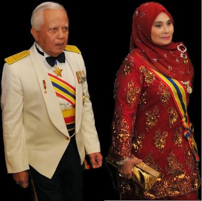 T y t Tun Khalil Yaakob Dan Y a bhg Toh Puan Zurina Kassim