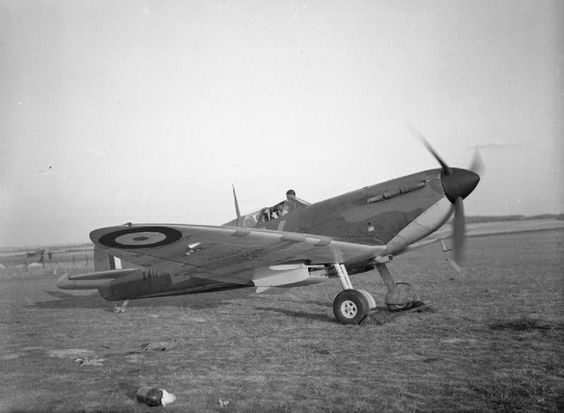 13 September 1940 worldwartwo.filminspector.com RAF Spitfire