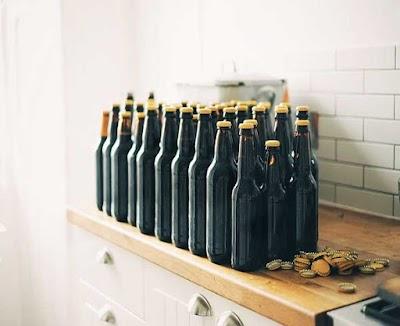 Abrir una botella con chapas sin abridor 21 trucos chulos