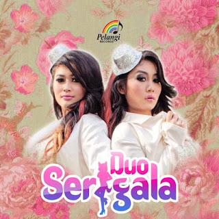 Duo Serigala Sakura