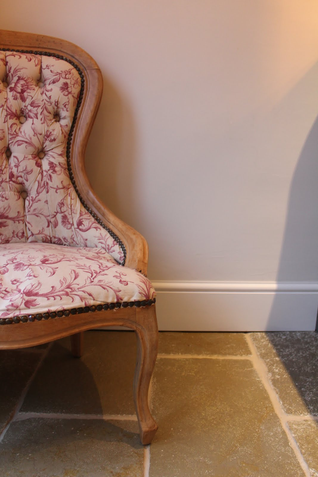 Skirting Boards with Limestone Floor