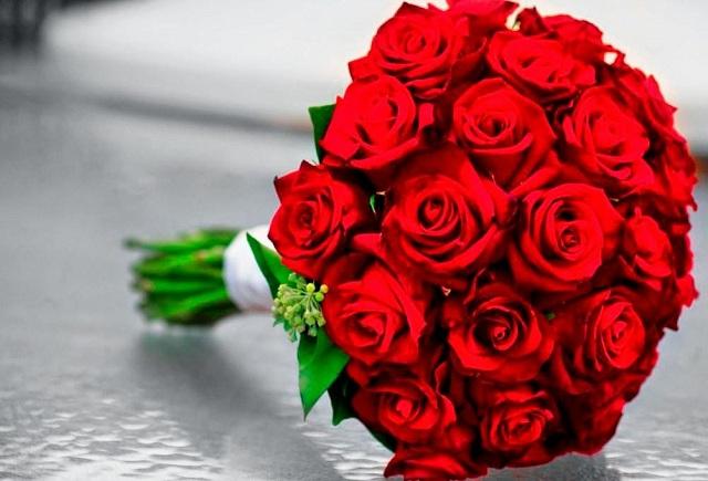 Bó hoa hồng đỏ đẹp nhất thế giới 16