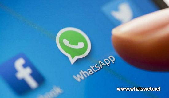 Eliminar mensajes en WhatsApp