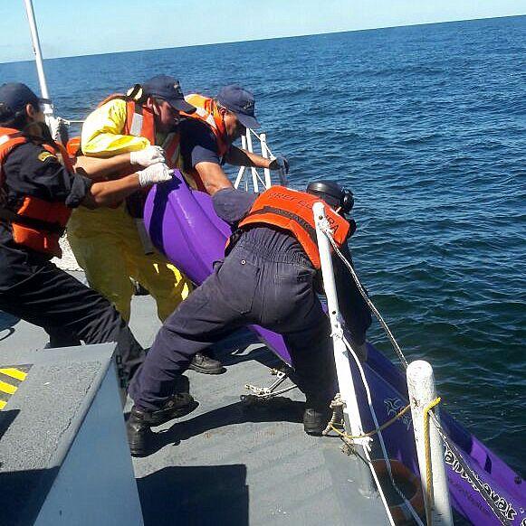 Prefectura rescató a un kayakista que naufragó durante dos días en San Clemente del Tuyu