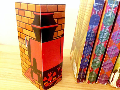 Create a fun and magical bookshelf with these printable Harry Potter bookend covers.  Covers print and dress up regular paver stones so you can use a cheap and creative bookend for your Harry Potter book collection.