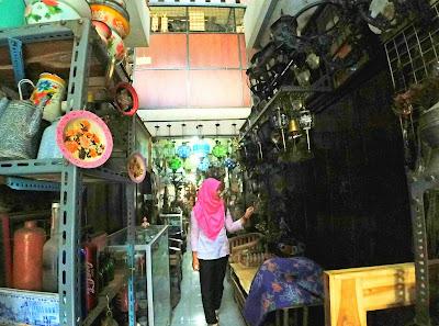 Pasar barang antik Jawa tengah