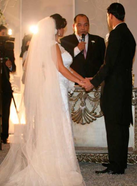 Gretchen vestido de noiva casamento com Silvio, Véu