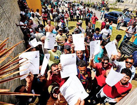 Obra da Refinaria Abreu e Lima para, e 1.200 são demitidos