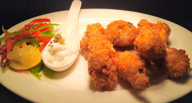 Dinner ideas garnish Corn flakes Fried KFC style Chicken in plate