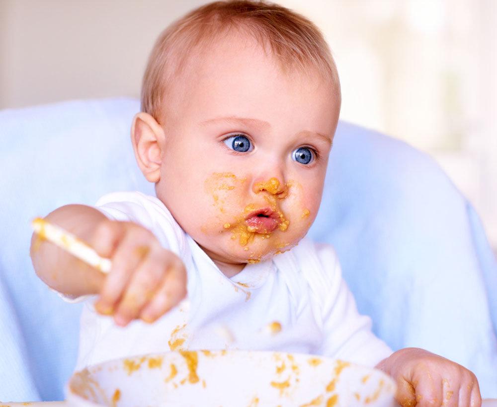 alimentaci n del beb consejos para que aprenda a comer solo. Black Bedroom Furniture Sets. Home Design Ideas