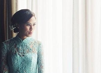 Model Kerah Kebaya Bentuk Cheongsam Cocok Untuk Wanita Kurus Dengan Leher Panjang