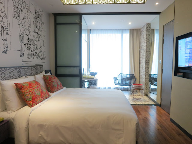 hotel indigo katong deluxe room