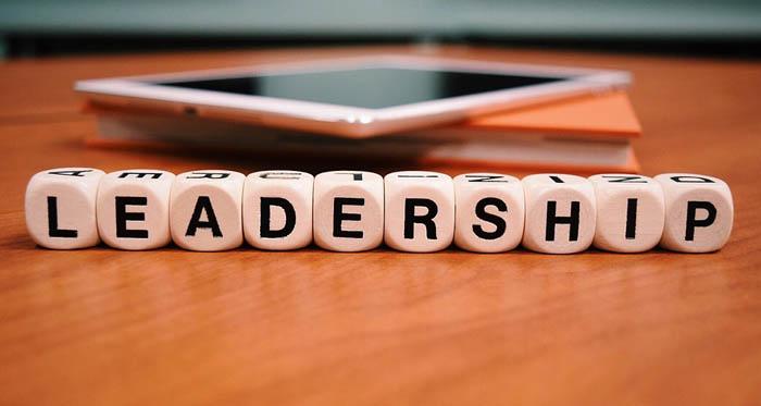 Makalah Kepemimpinan dan Kekuasaan