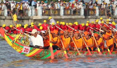 vietnam dragon boat festival