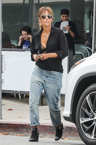 Halle Berry - Out and About in Hollywood - 16/06/2018