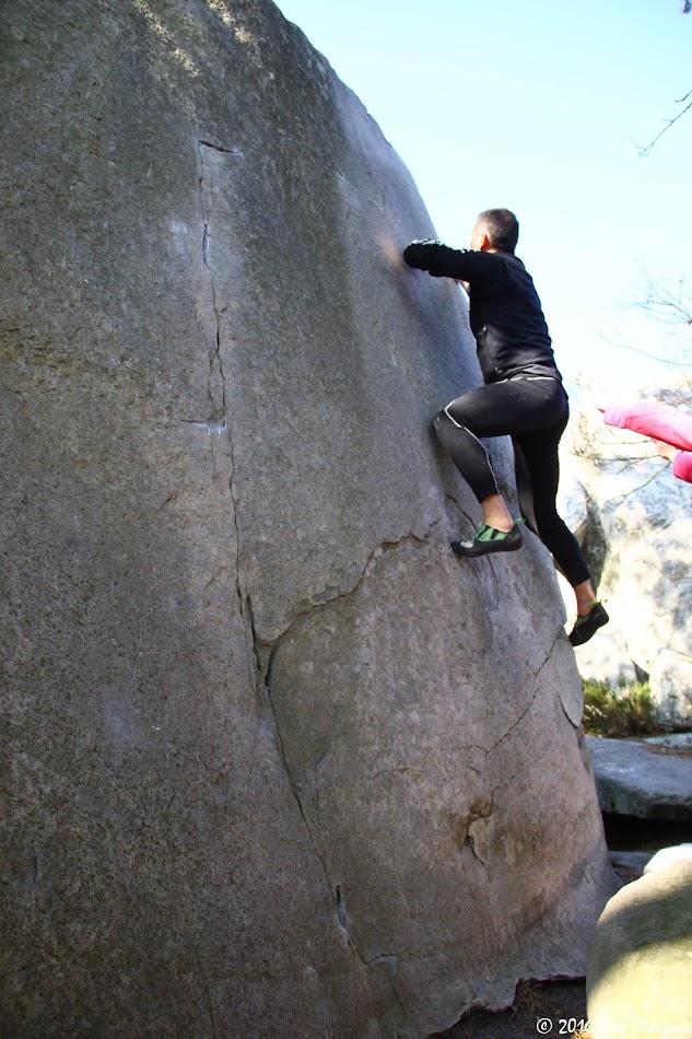 Steph Carconne remonte l'Angle Allain, 5C/6A, Cuvier Rempart, (C) 2016 Greg Clouzeau