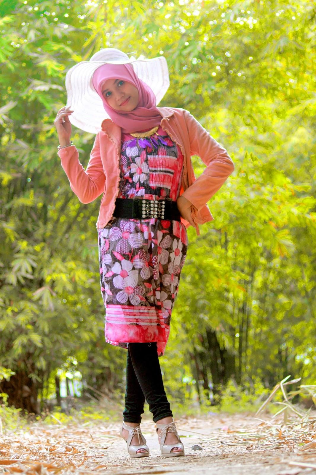 Hunting Model hijab cantik Hani Nirmalasari Jibaer Mahasiswa Kampus manis dian pelangi 2016 Hunting Model hijab cantik Hani Nirmalasari Jibaer Mahasiswa Kampus manis dian pelangi terbaru Hunting Model hijab cantik Hani Nirmalasari Jibaer Mahasiswa Kampus manis dengan celana jeans Hunting Model