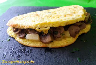 Omelette con funghi e formaggio