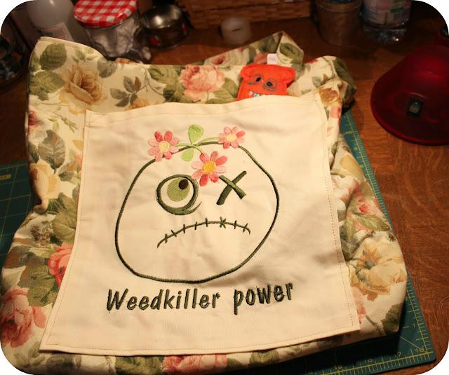 tissu vintage, vintage fabric,how to make a bag, tutoriel comment faire un sac, machine embroidery, broderie machine
