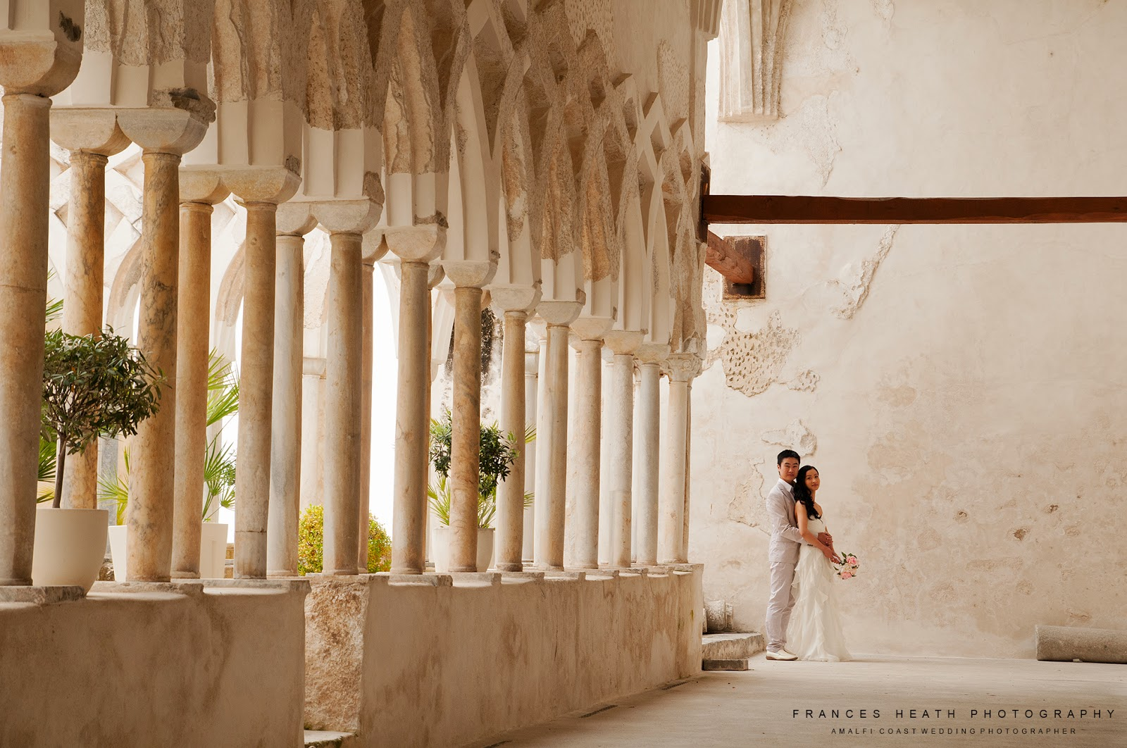 Bride and groom at Hotel Convento in Amalfi
