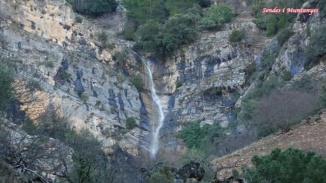 Salto de agua, Nacimiento río Borosa, Pontones, Sierra de Cazorla, Jaén, Andalucía