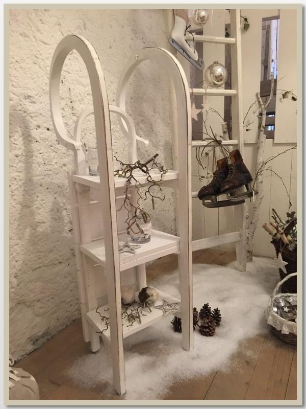 alten schlitten dekorieren mit diesen ideen k nnen sie. Black Bedroom Furniture Sets. Home Design Ideas
