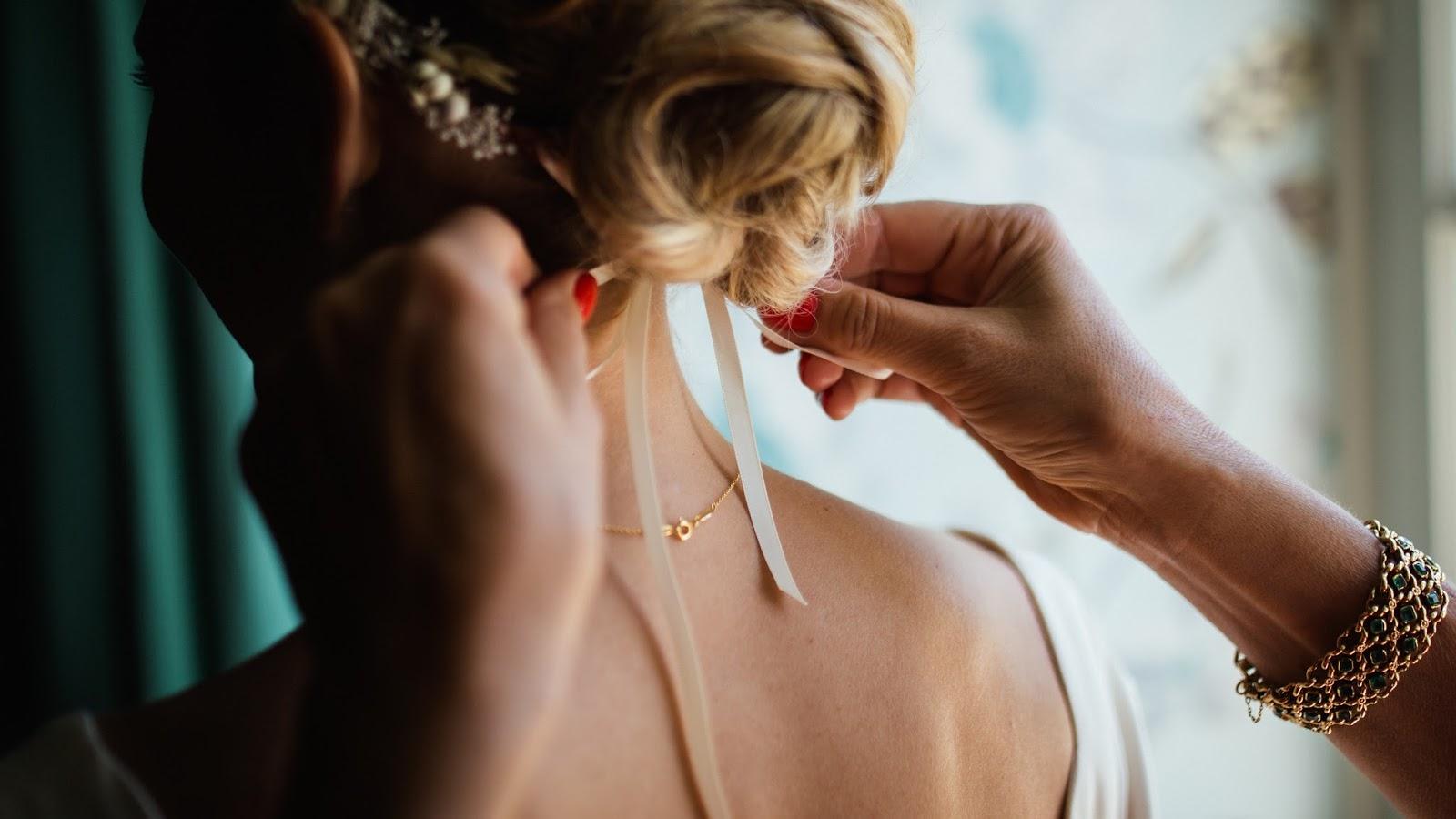 Stylowe dodatki panny młodej - ozdoby do włosów, dodatki ślubne, gdzie kupić dodatki ślubne, blog modowy