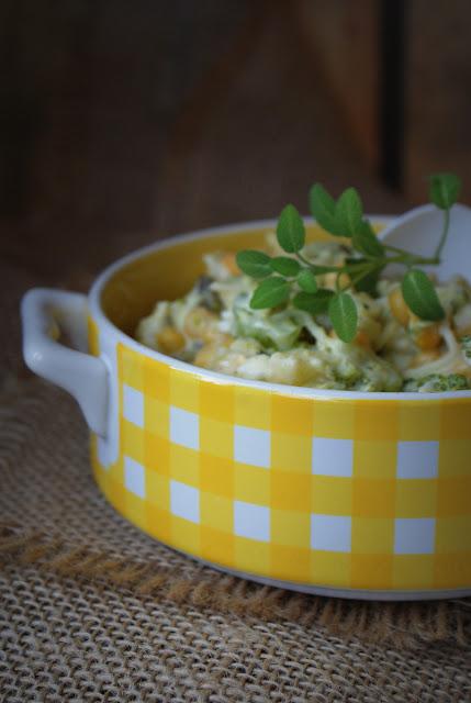 Develey,sałatka z selera,seler z zalewy,sos czosnkowo-ziołowy,brokuł,kukurydza,ogórek kanapkowy,sałatka na imprezę,