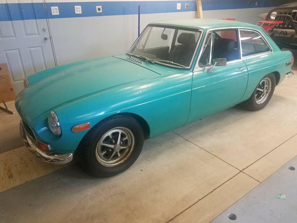 Daily Turismo: Not Bad At All: 1972 MGB GT