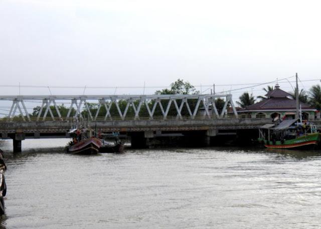 8 Jembatan Di Indonesia Yang Terkenal Angker, Banyak Kejadian Mistis Yang Terjadi Disana!