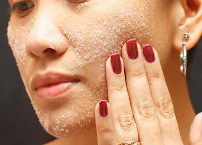 Cara Menghilangkan Jerawat dengan Scrub Gula