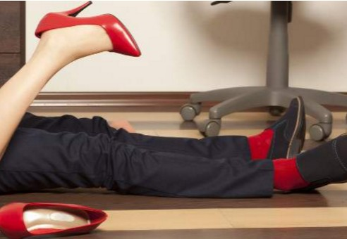 Αυτό το επάγγελμα κάνουν οι γυναίκες που απατούν πιο συχνά...
