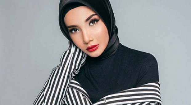 Zaskia Sungkar: Indonesia Kiblat Fesyen Muslim Dunia