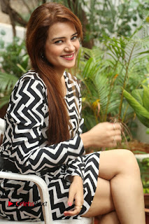 Actress Saloni Latest Pos in Short Dress  0209.JPG