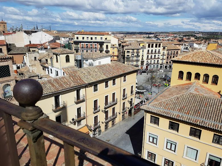 從城堡看的城市景,遠處是托雷多主廣場