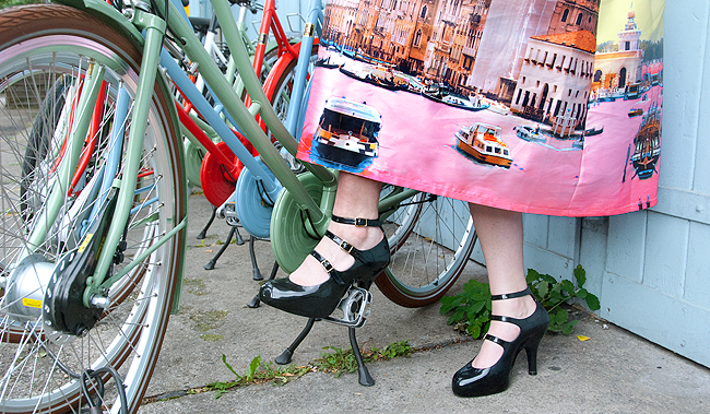 Vivienne Westwood x Melissa, bicycle, elegant look