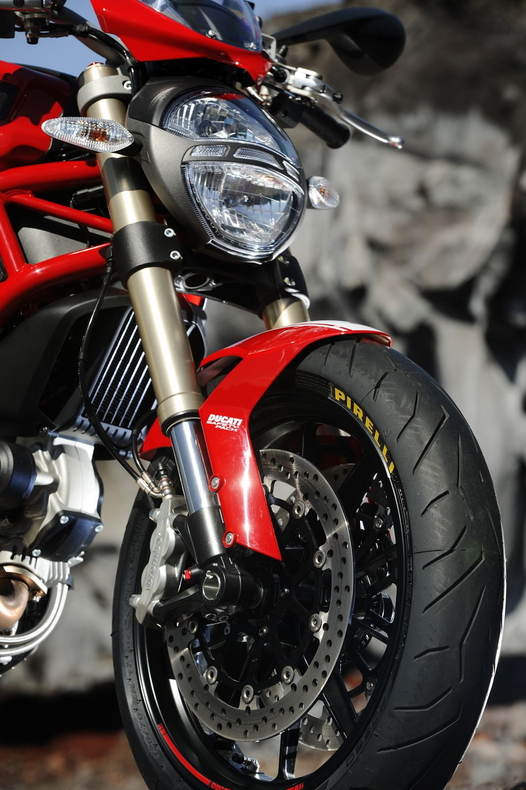 ducati monster 1100 evo 2011 2012 official photos video. Black Bedroom Furniture Sets. Home Design Ideas